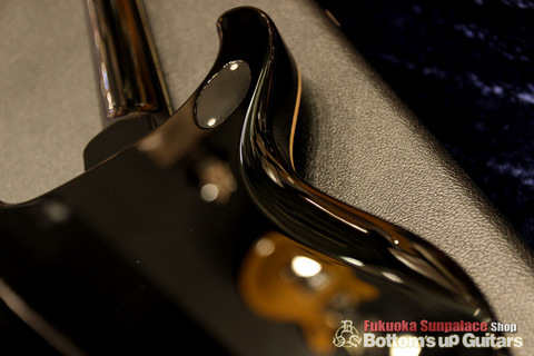PRS_McCarty594_Soapbar_P90_Limited_Solid_Black_Bodyback_Contour.jpg