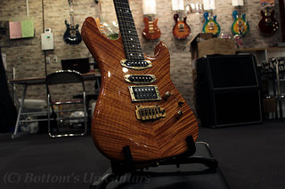 Valley Arts Custom Pro USA Flame Maple Bent Top